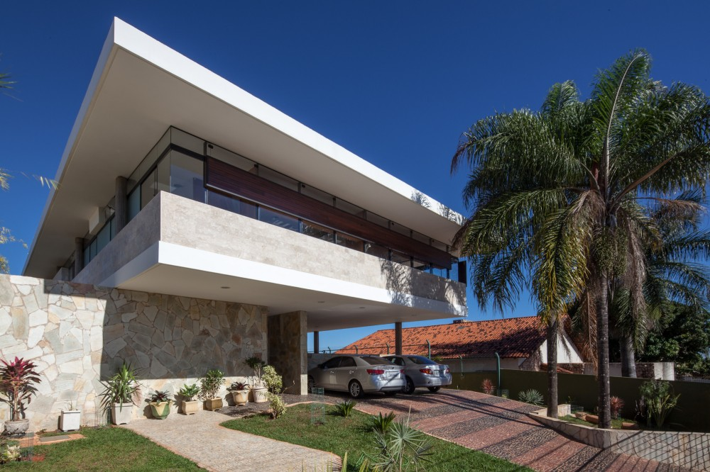 JPGN House / Macedo, Gomes &#038; Sobreira