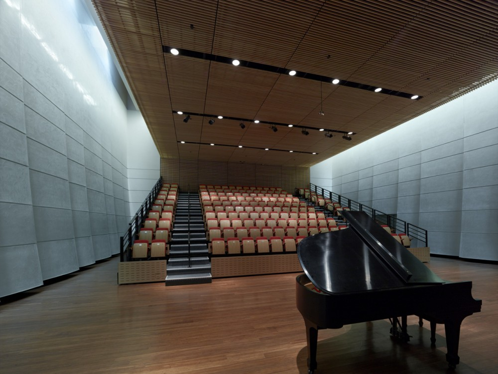 Wagner Noël Performing Arts Center / Boora Architects + Rhotenberry Wellen Architects