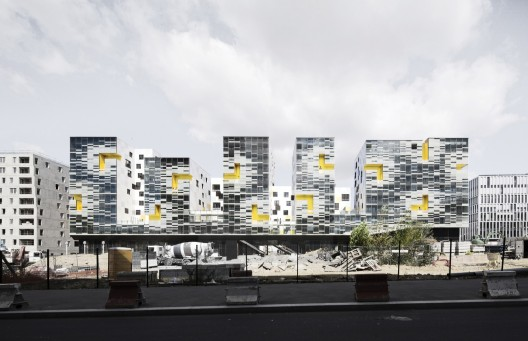 Apartment Blocks in Nanterre / X-TU © Luc Boegly