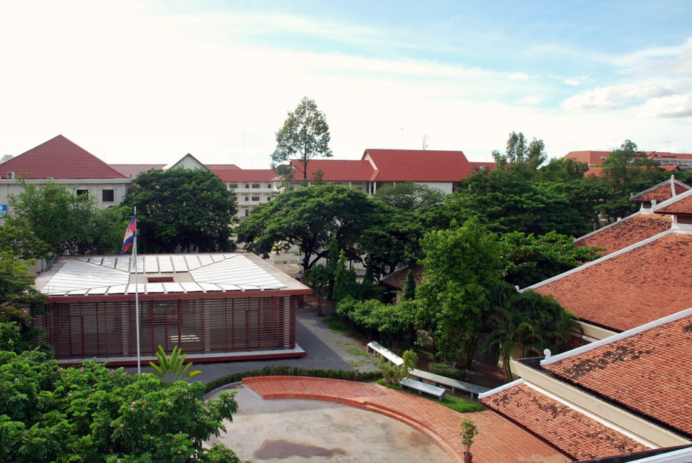 Friends Center at Angkor Hospital for Children / COOKFOX