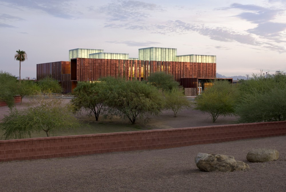 South Mountain Community Library / Richärd+Bauer