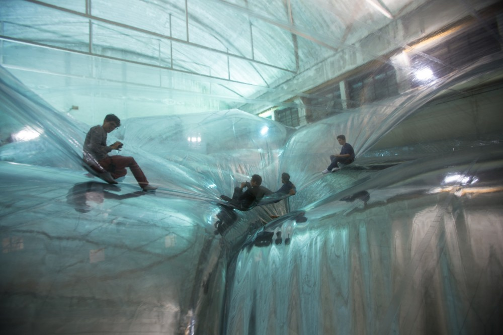 'On Space Time Foam' Exhibition / Studio Tomas Saraceno