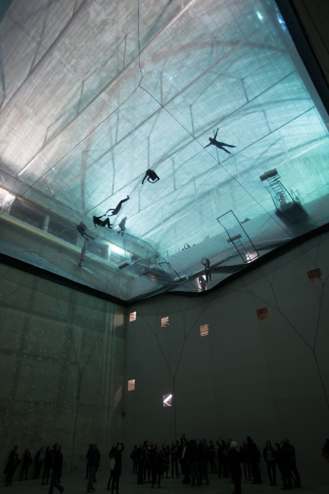 &#8216;On Space Time Foam&#8217; Exhibition / Studio Tomas Saraceno