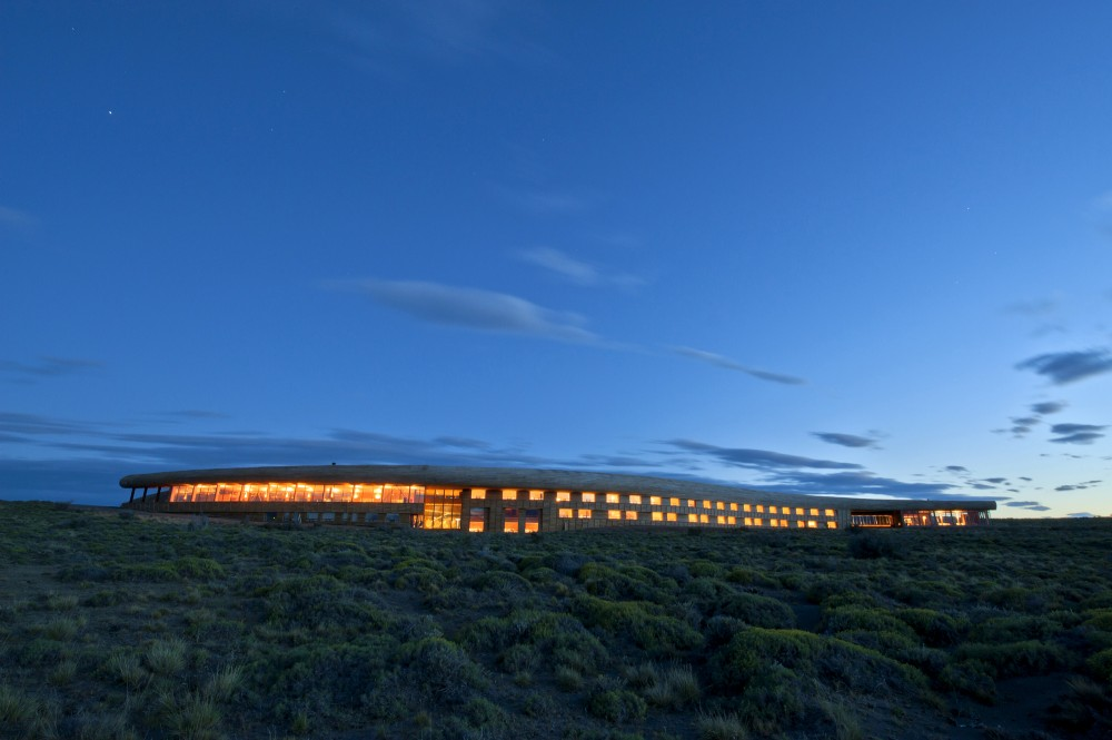 Hotel Tierra Patagonia / Cazu Zegers Arquitectura