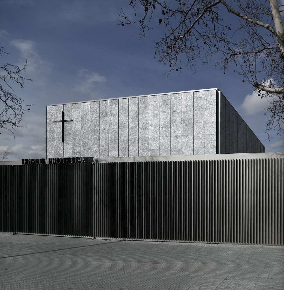 Evangelical Temple in Terrassa / OAB