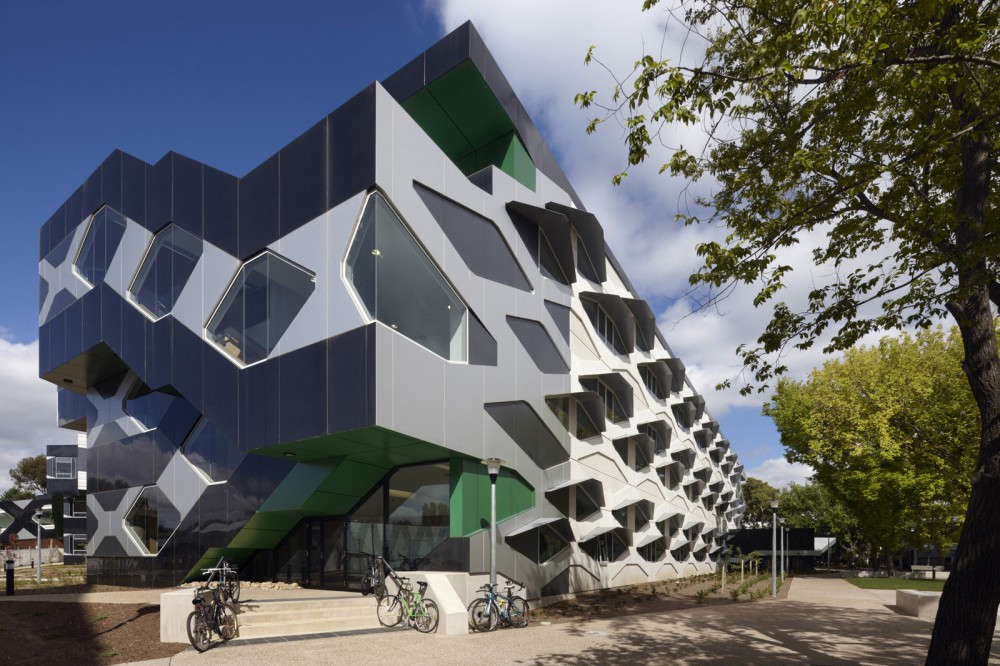 Biosciences Research Building / Lyons
