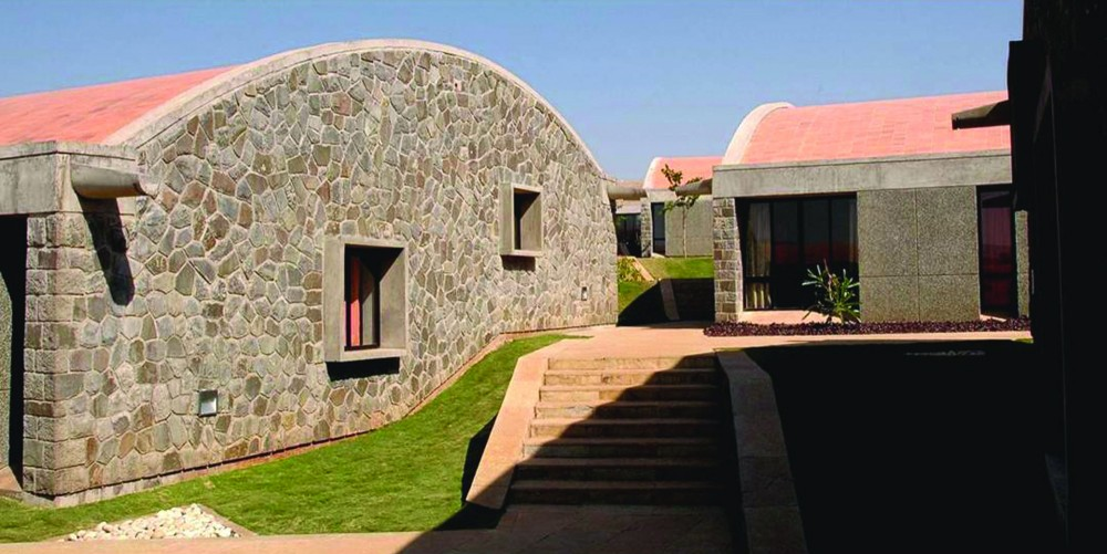 The Heritage School  / Madhav Joshi and Associates