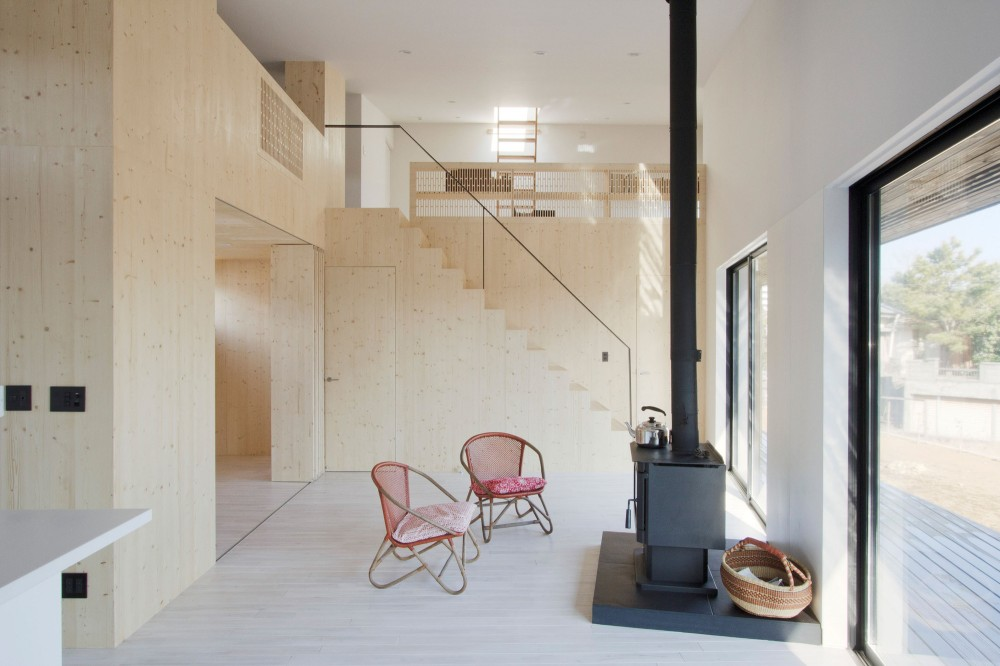 Onjuku Beach House / BAKOKO
