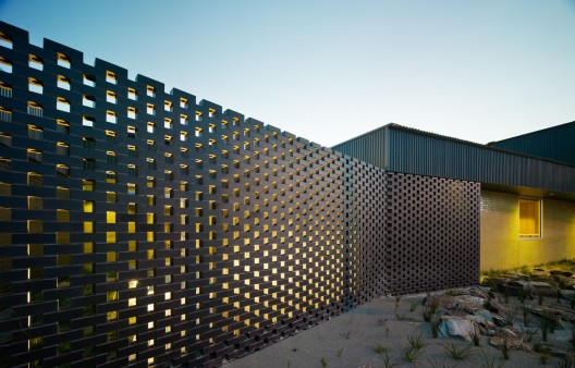 Carrum Downs Police Station / Kerstin Thompson Architects  Peter Bennetts