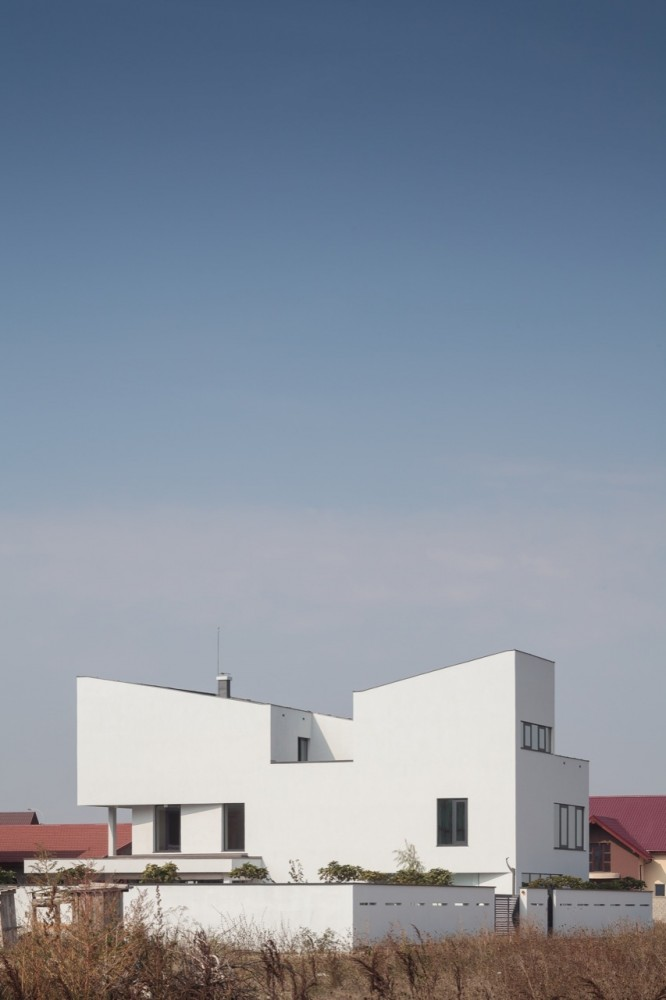 Afumati House / Manadelucru