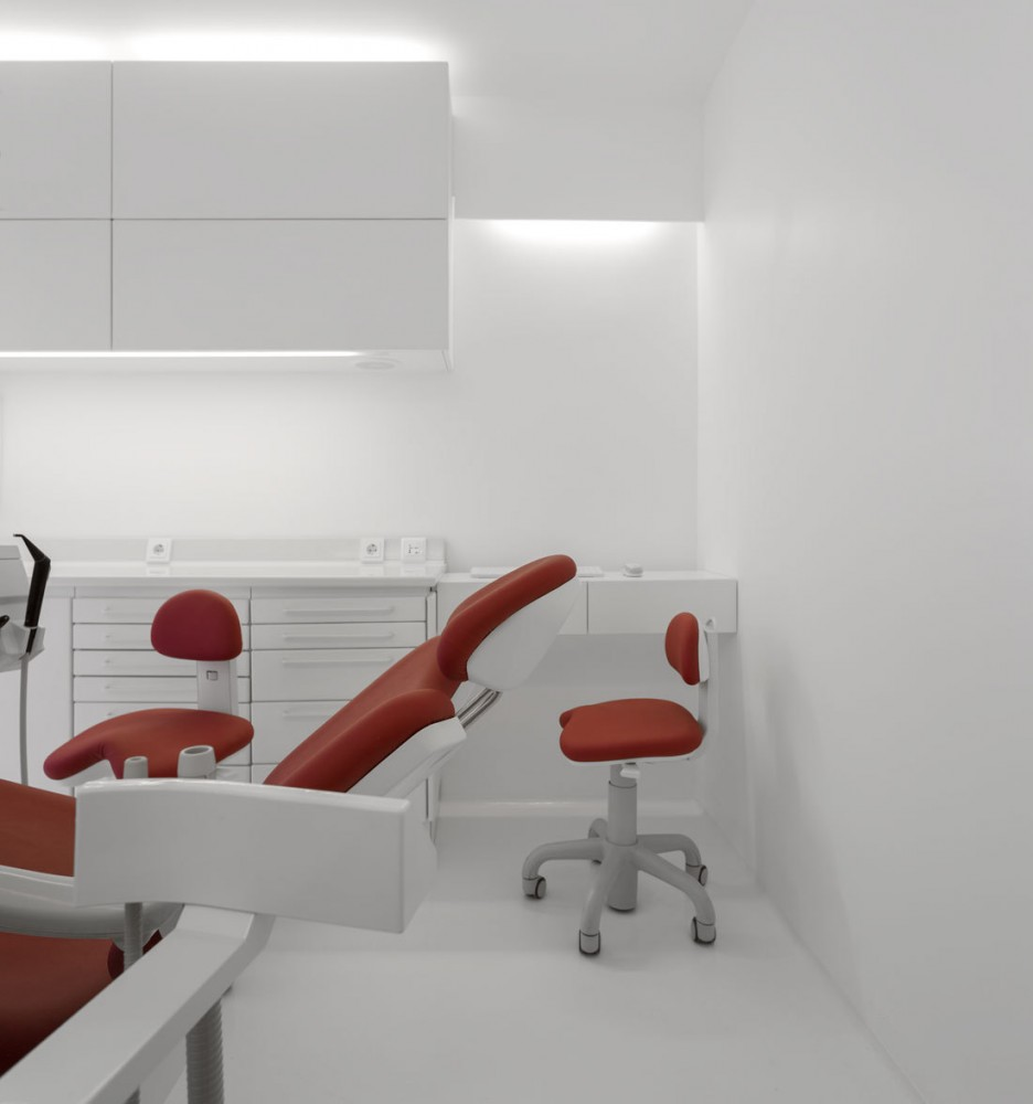 Dental Clinic / MMVARQUITECTO