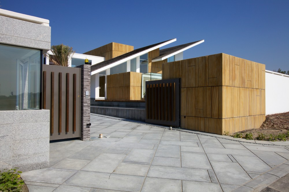 Bahrain House / MORIQ