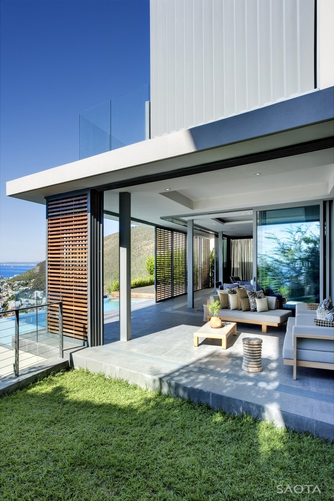 Head Road 1816 / SAOTA