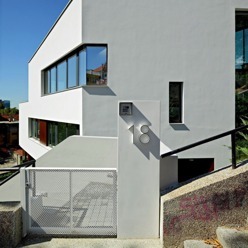 House 2P / SANGRAD + AVP Arhitekti