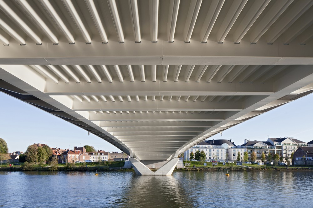 Compiegne Bridge / Explorations Architecture