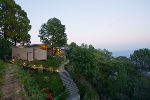House in the Himalayas / Rajiv Saini  Sebastian Zachariah