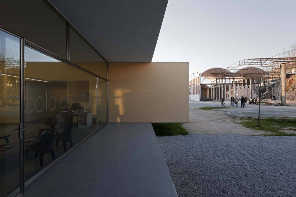 Hotel &#038; Catering School / Eduardo Souto de Moura + Graca Correia