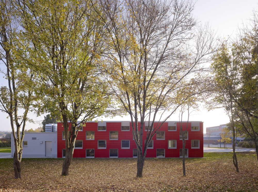 Salmtal Secondary School Canteen / SpreierTrenner Architekten