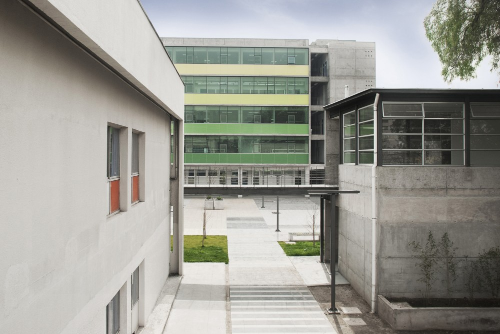 Chemical and Pharmaceutical Sciences Faculty Concentration / FJL + Desarrollo Integral de Proyectos