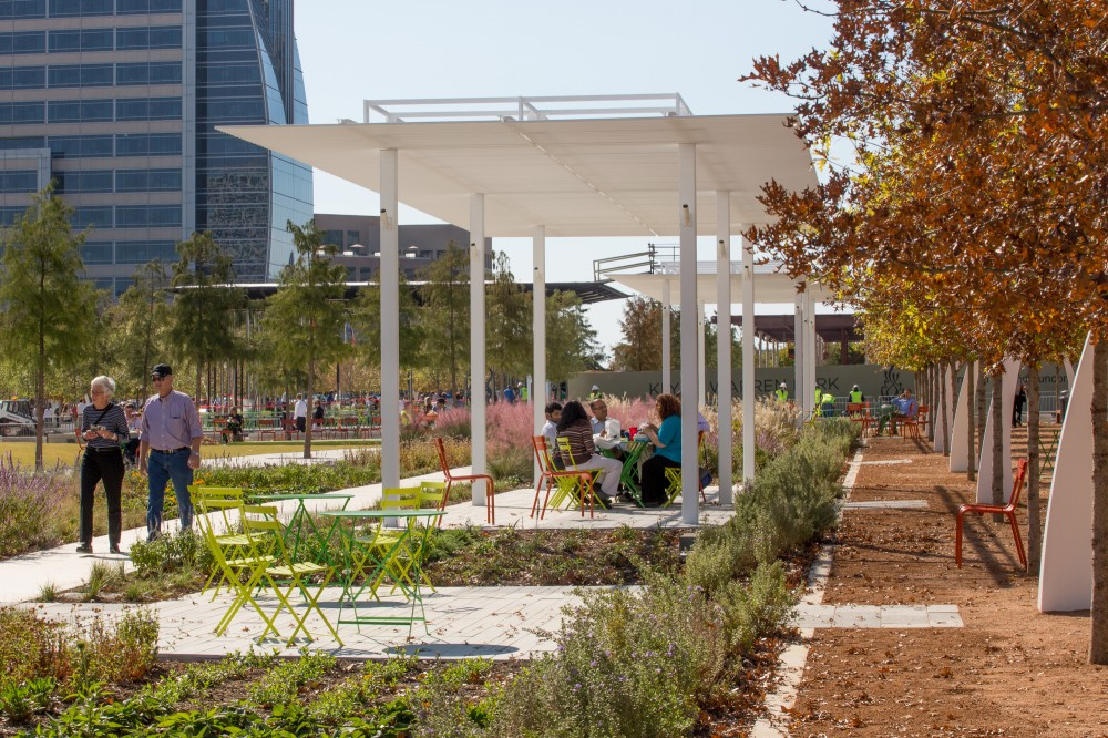 Klyde Warren Park / The Office of James Burnett