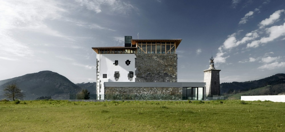 Torremadariaga Basque Biodiversity Centre / IA+B Arkitektura Taldea