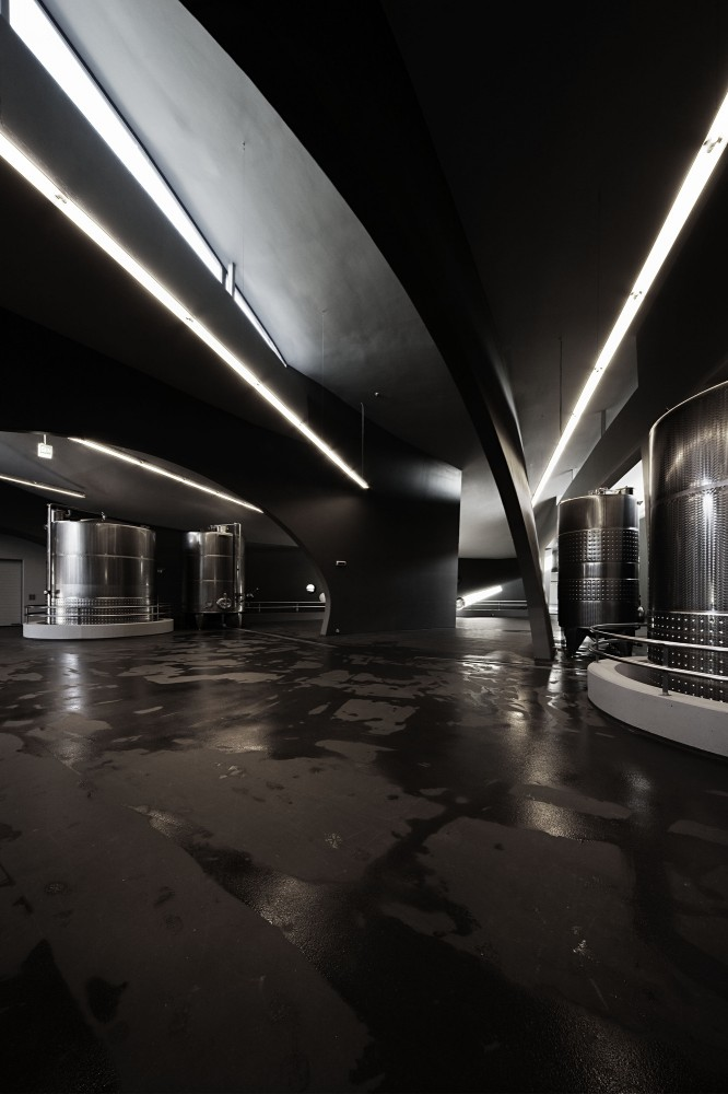 Somlo Winery Complex / Ekler Architect