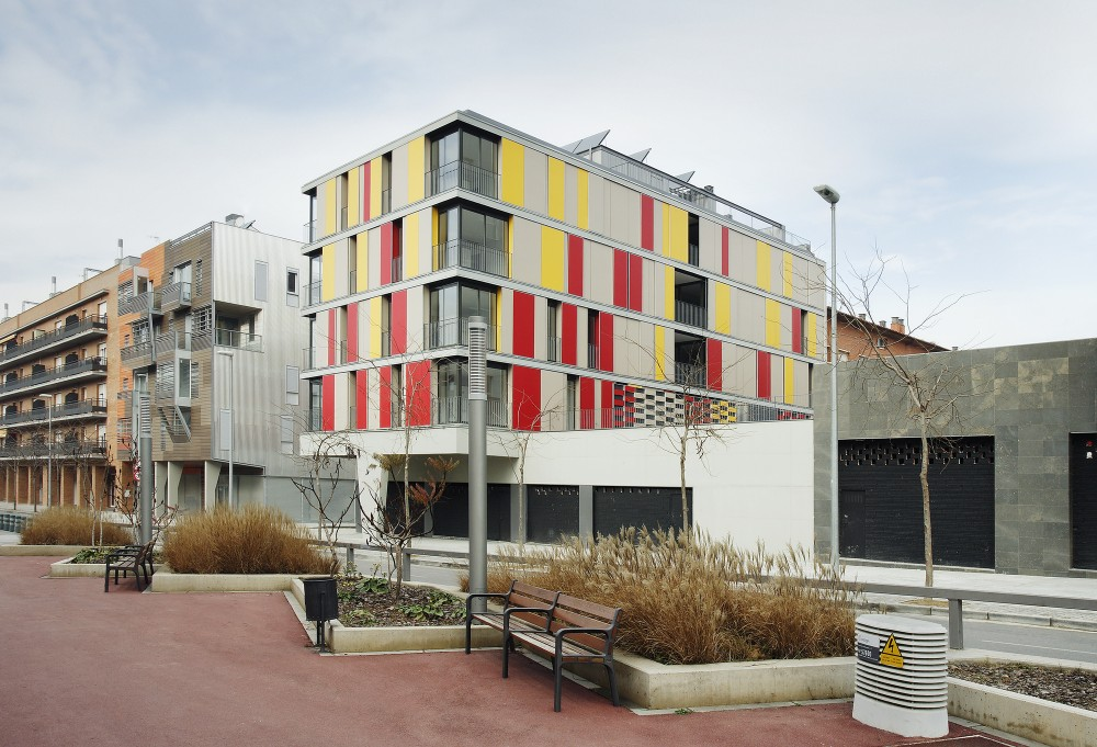 16 Social Housing for Granollers Town Hall / ONL Arquitectura