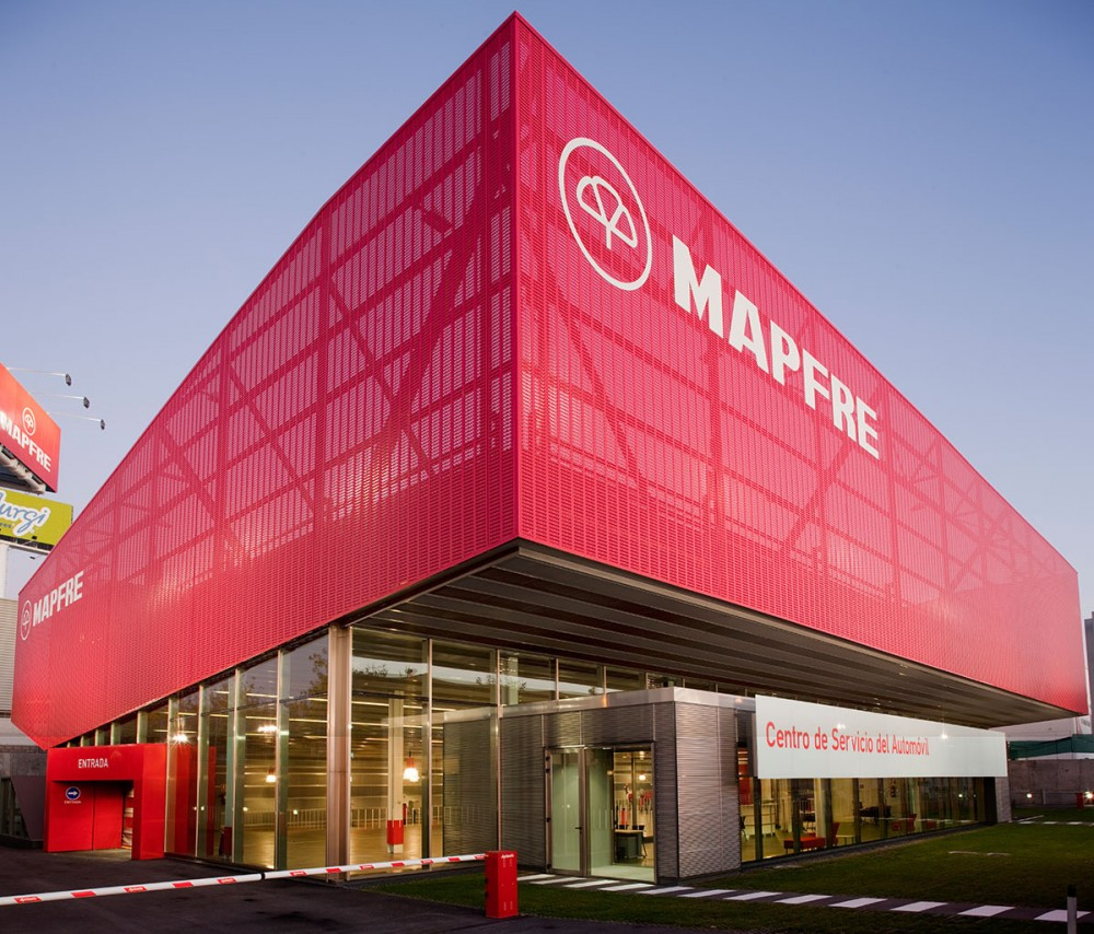 Mapfre Automovile Services Centre / Beriot, Bernardini Arquitectos
