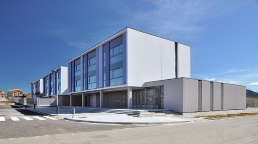 Secondary School Pla Marcel / Llus Vendrell Courtesy of Llus Vendrell