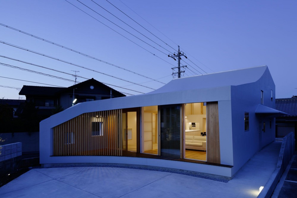 House H / mattch