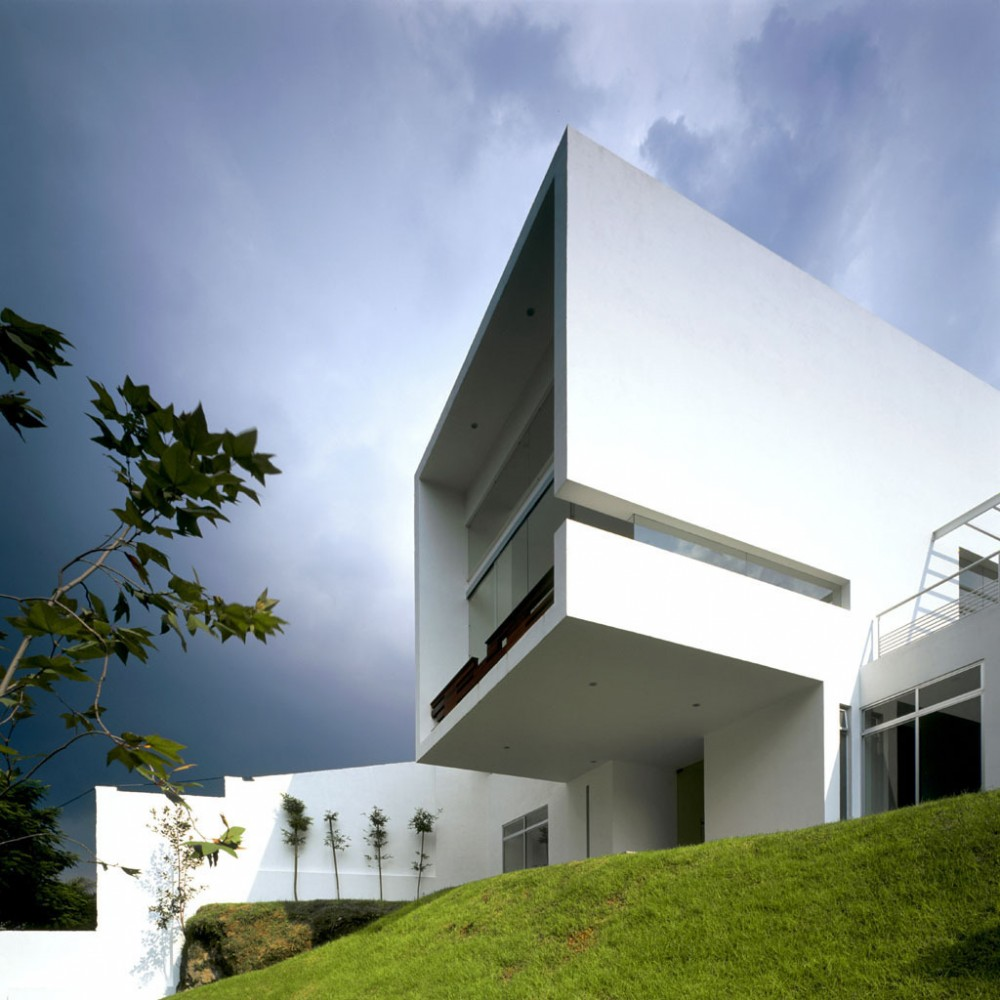 Cube House / Agraz Architects