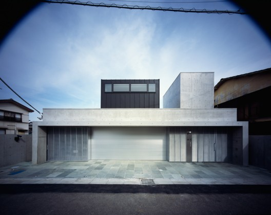 Square Skylight House / NKS Architects  Ken&#039;ichi Suzuki