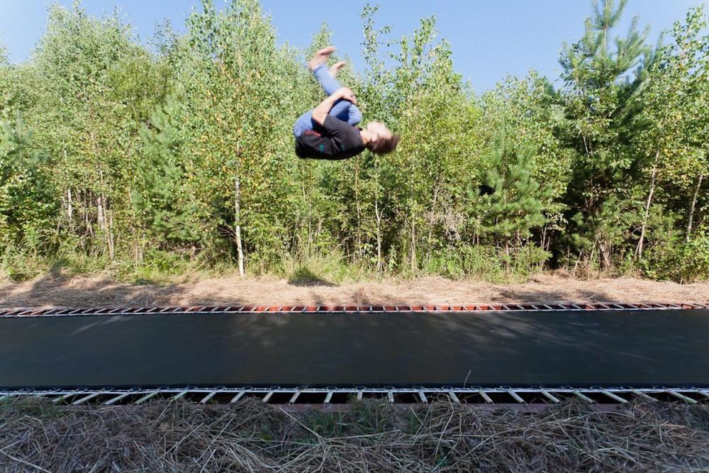 http://ad009cdnb.archdaily.net/wp-content/uploads/2012/12/50bd2efbb3fc4b60b10000c0_fast-track-salto-ab_fast_track_photo4_karli_luik-1000x667.jpg