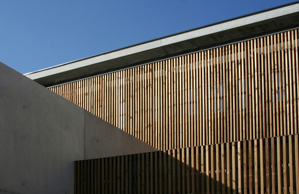 Daycare Center for Disabled Children / Atelier d'Architecture Laurent Tournié