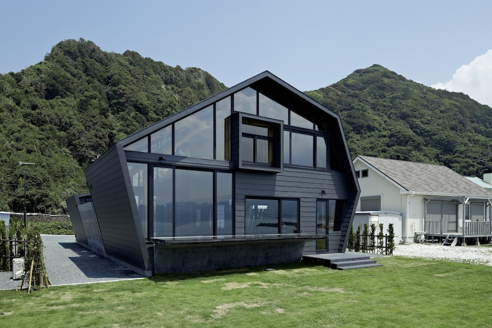 Villa SSK / Takeshi Hirobe Architects
