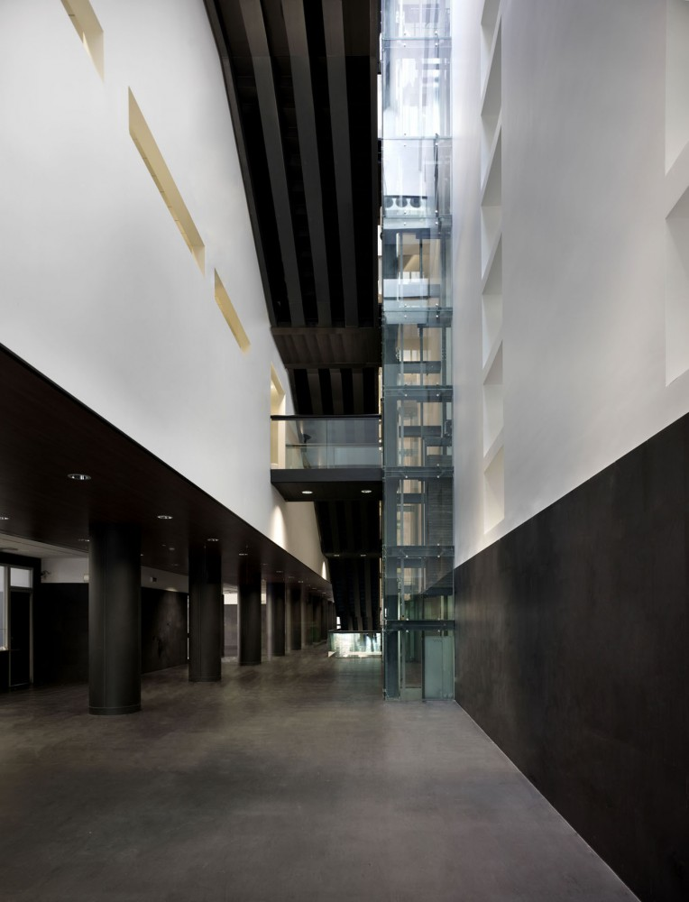 Law-Court Offices in Venice / C+S Architects