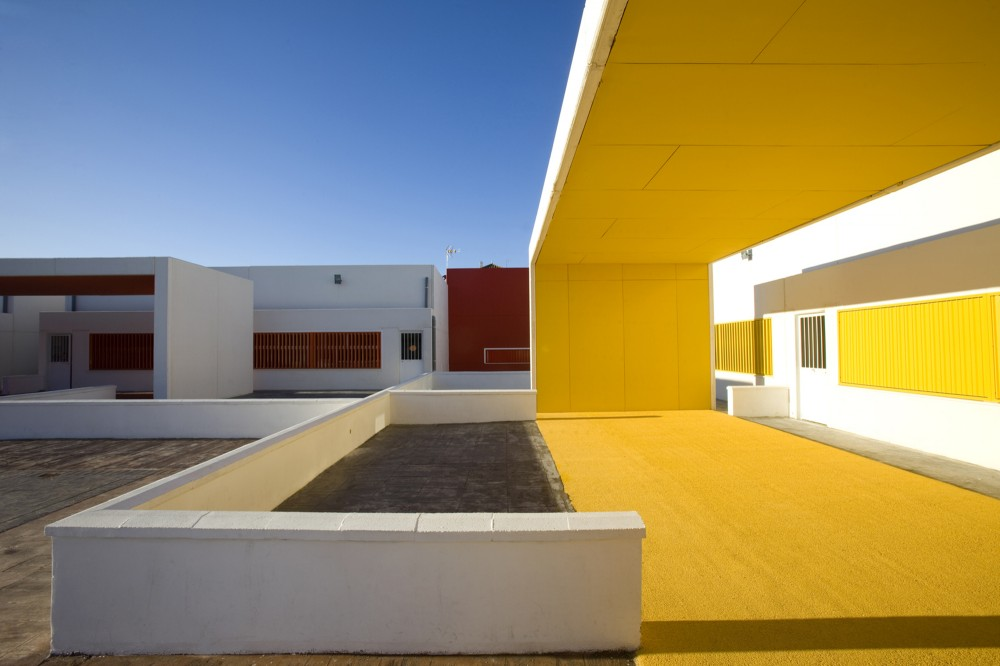 Nursery School in Dos Hermanas / Carmen Sánchez Blanes