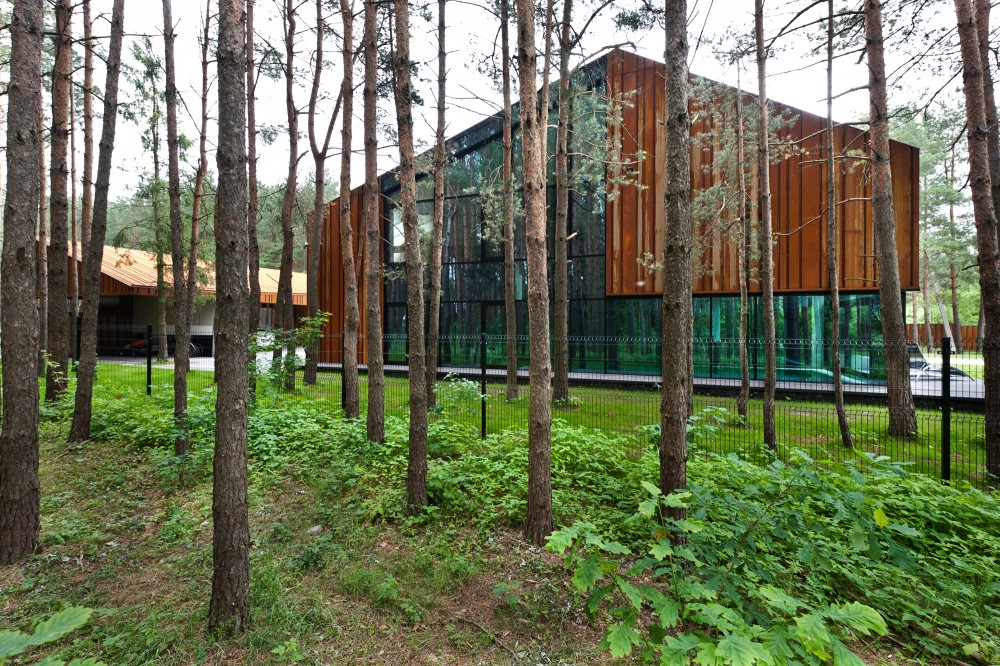 An Autograph Among the Pine Trees / Studija Archispektras