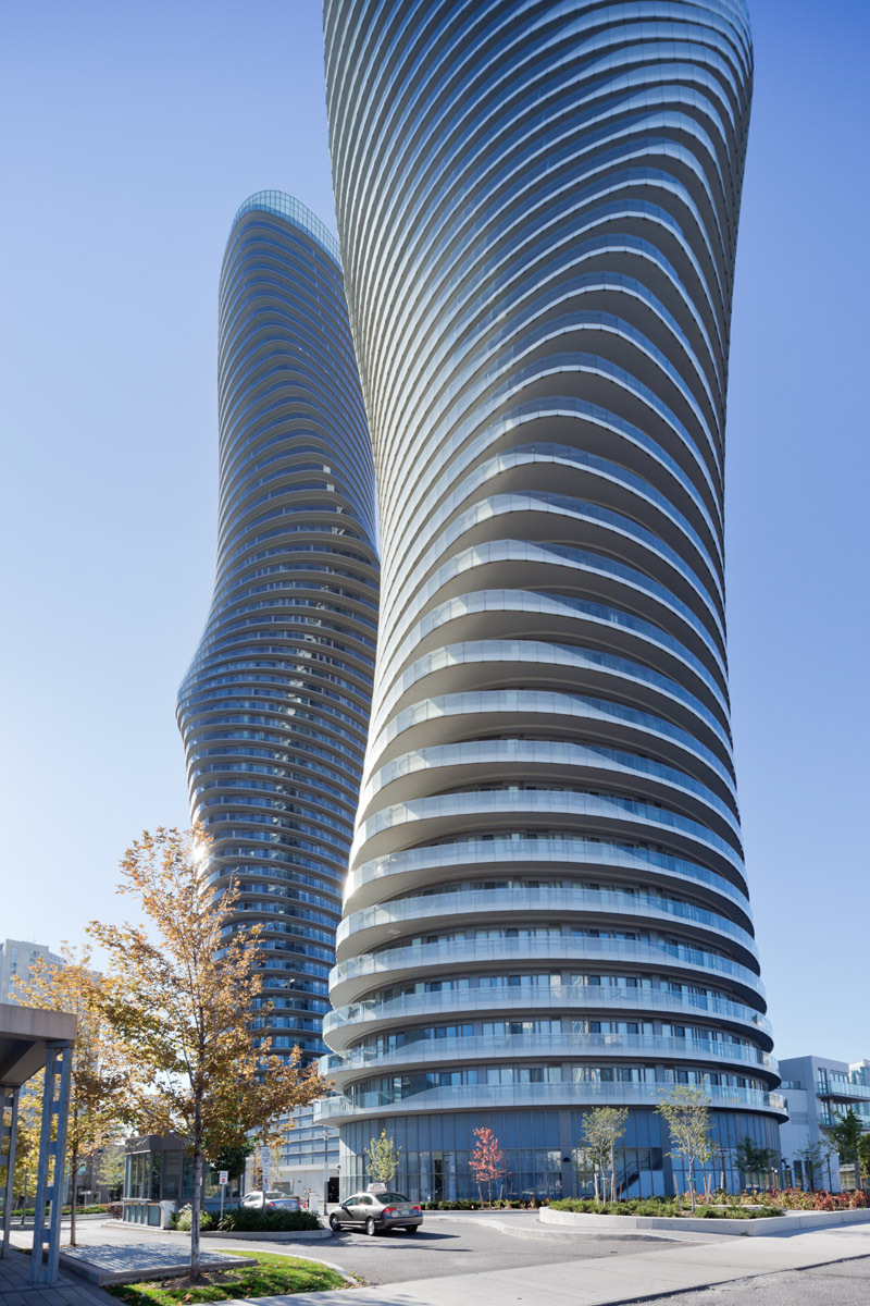 http://ad009cdnb.archdaily.net/wp-content/uploads/2012/12/50c8c9a7b3fc4b706200000c_absolute-towers-mad-architects_absolute_mad_0839.jpg