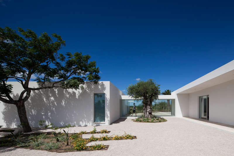 House in Tavira / Vitor Vilhena Architects