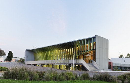 Knox Innovation Opportunity and Sustainability Centre / Woods Bagot  Peter Bennetts