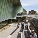 Knox Innovation Opportunity and Sustainability Centre / Woods Bagot © Peter Bennetts