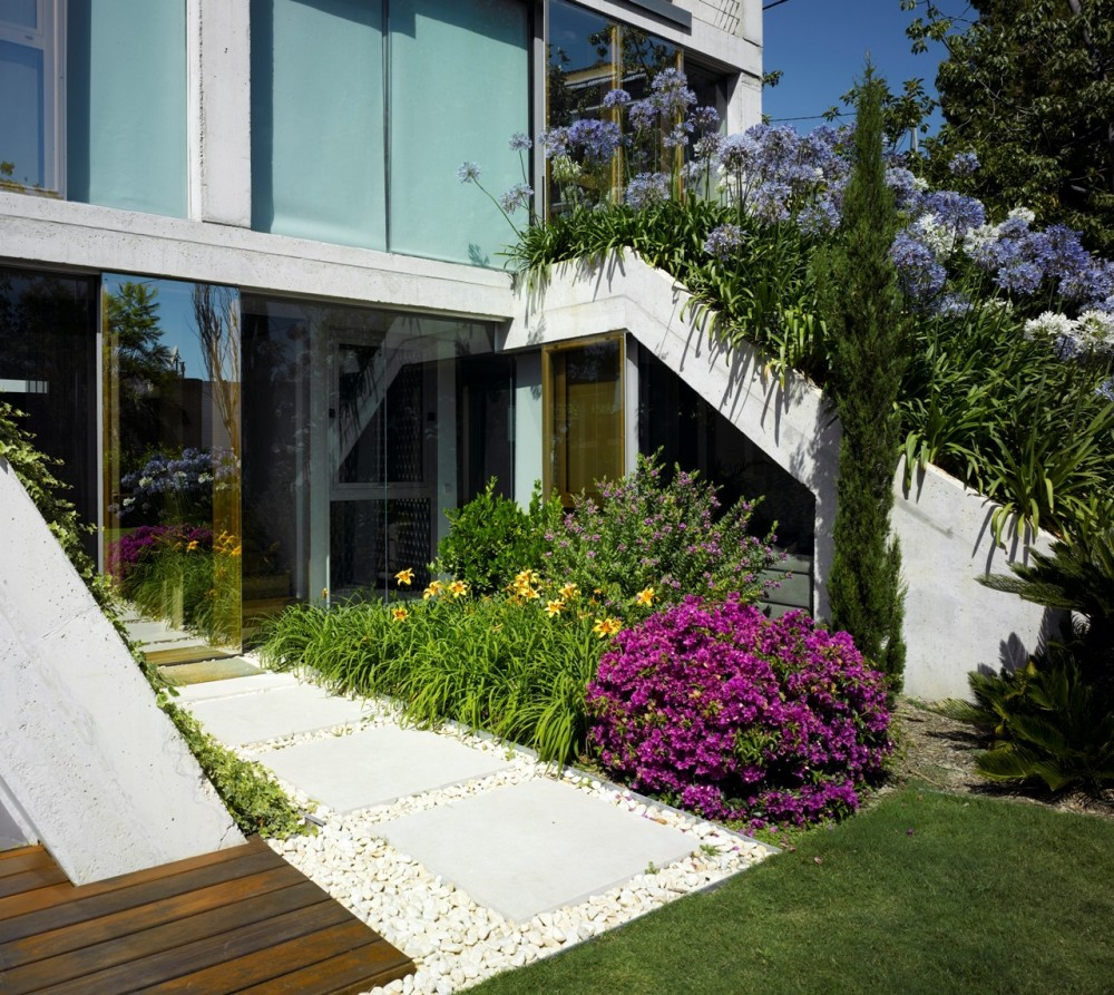 Garden House / Joaqun Alvado Ban