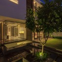 The Overhang House / DADA & Partners © Ranjan Sharma