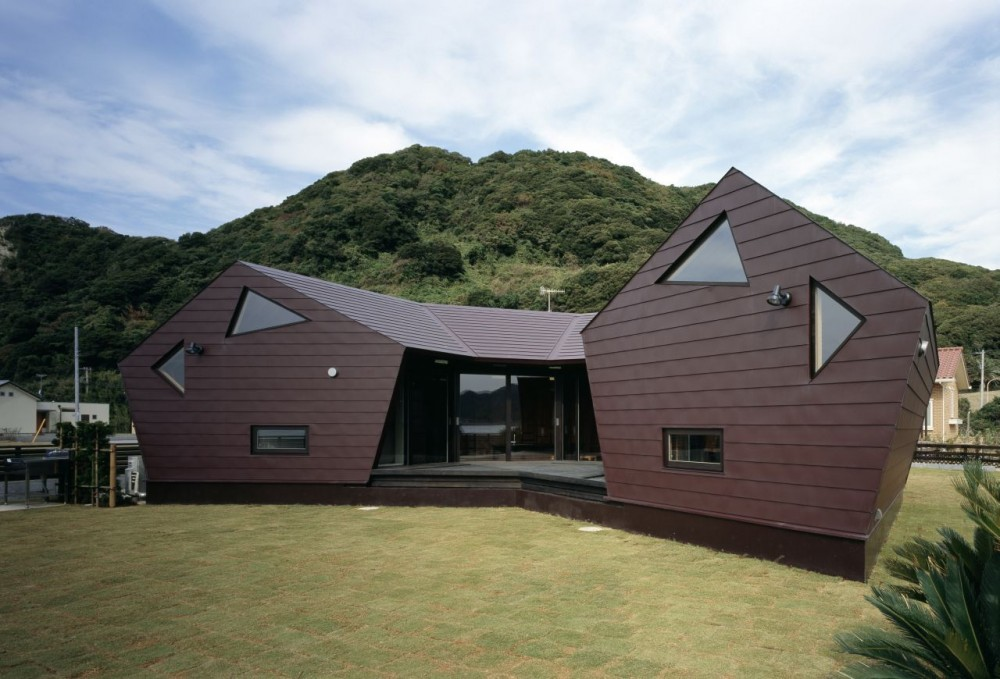 Seashore Shell House / Takeshi Hirobe Architects