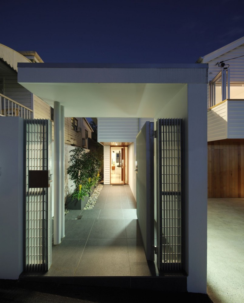 105 V House / Shaun Lockyer Architects
