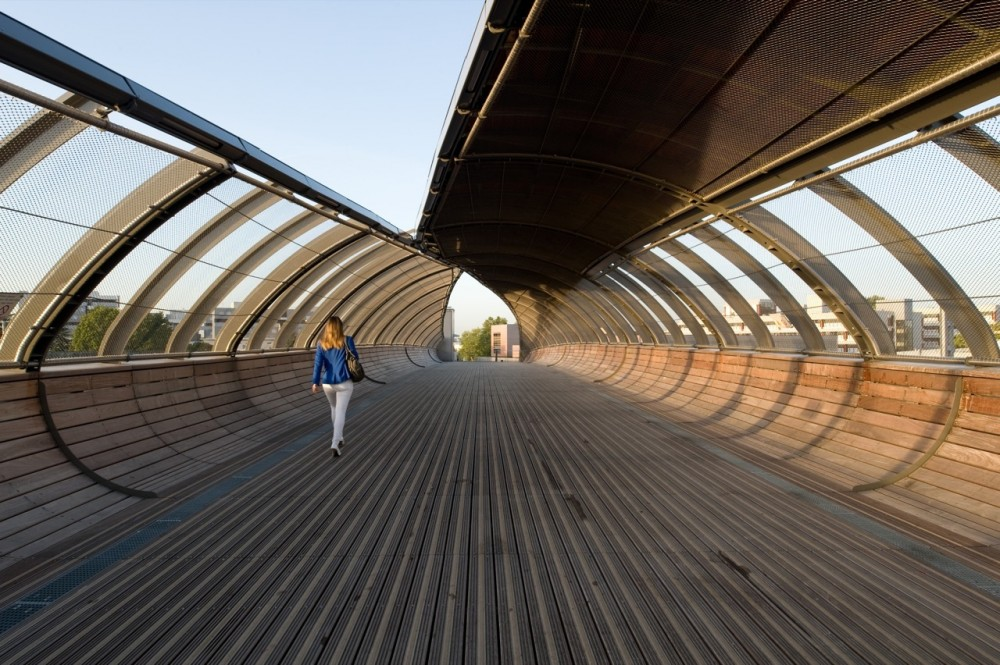 Footbridge Over the Railways / DVVD | Architectes – Designers