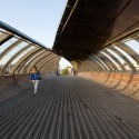 Footbridge Over the Railways / DVVD | Architectes - Designers © Cyril Sancereau
