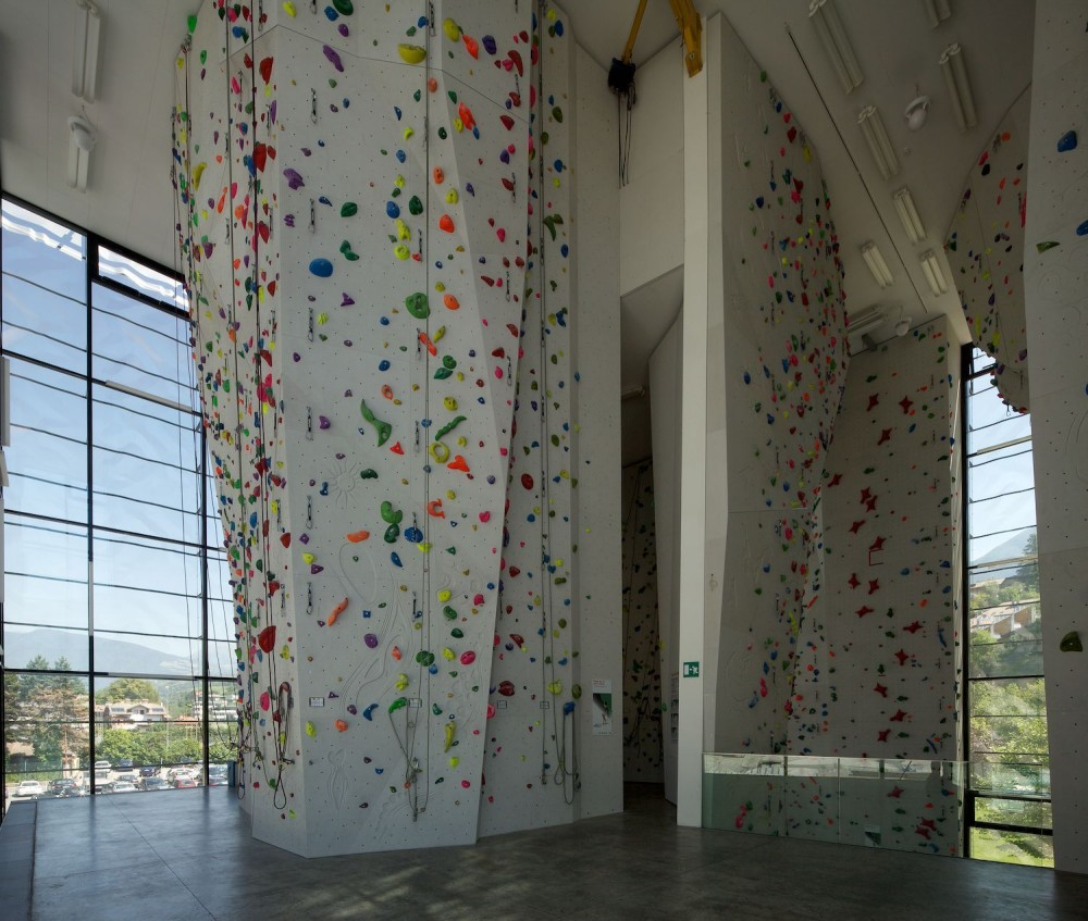 Viewing Gallery For - Indoor Rock Climbing