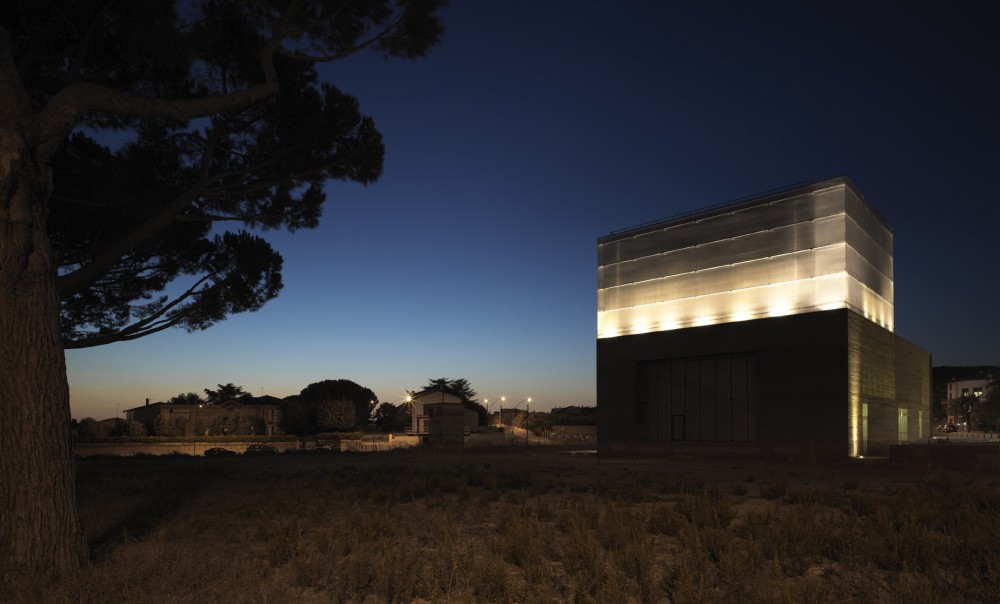 New Theatre in Montalto di Castro / MDU Architetti